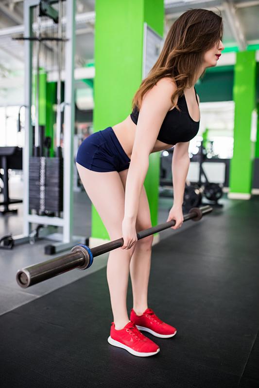 как накачать спину - тяга в наклоне